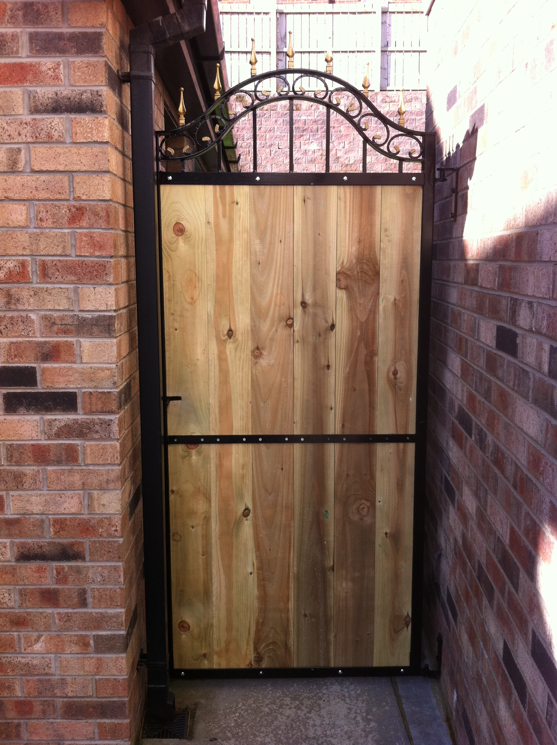 metal and wood garden gate hayes metal craft gates and railings belfast. Black Bedroom Furniture Sets. Home Design Ideas